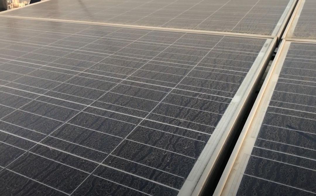 Cómo limpiar placas solares