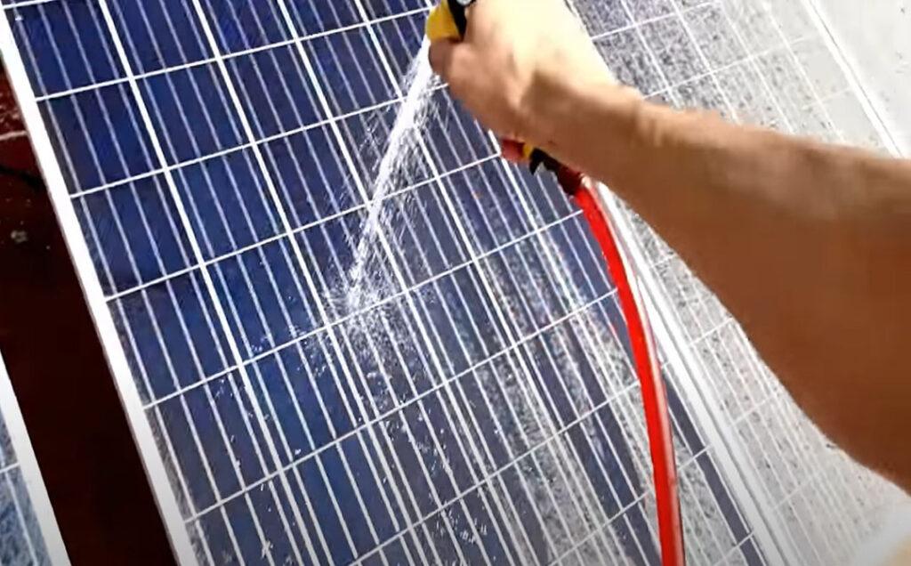 Limpiar placas fotovoltaicas