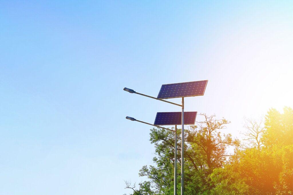 Farolas con placas solares