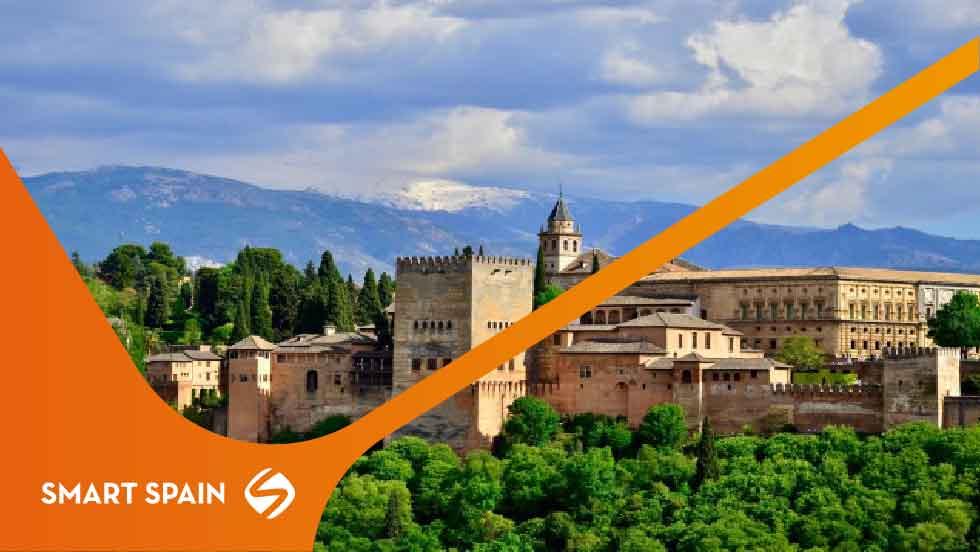 Placas solares Andalucía 2021: Aprovecha las horas de luz