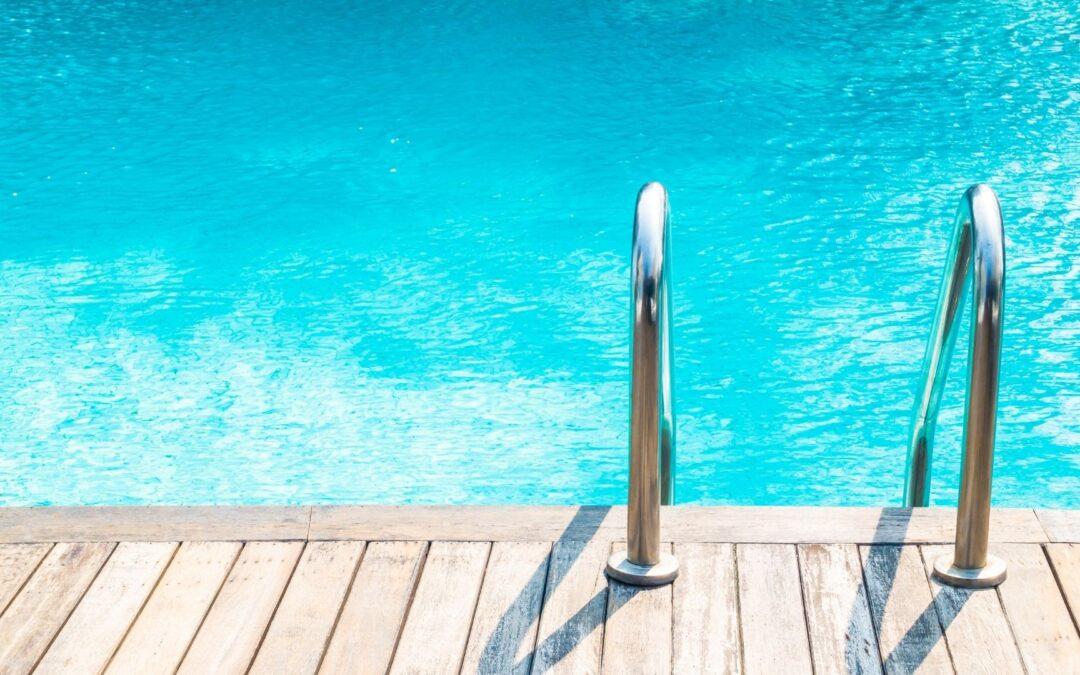 Principales claves sobre las placas solares para piscinas